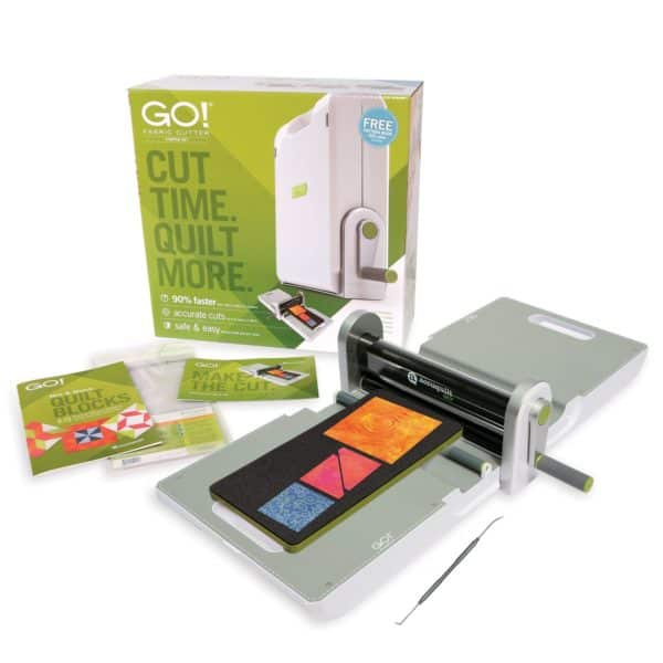 GO! Fabric Cutter Starter Set (AQ55100S) - Shows everything that comes in the set.