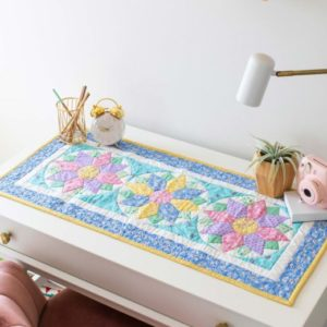 pq11743-go-vintage-blooms-table-runner_lifestyle_web_1